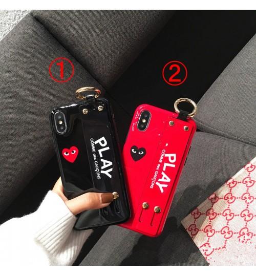 コムデギャルソン iphone xrケース レディース向けブランドiPhoneXSMAXケース XR/XS/X芸能人愛用ベルト付きcomme des garconsアイフォンxsケース