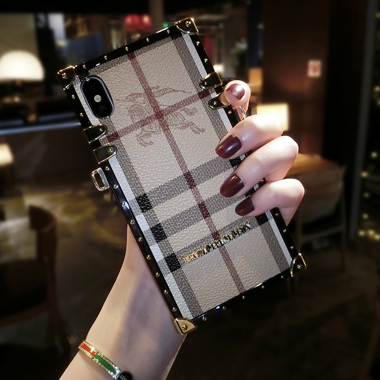 Burberry IPHONE XRカバー