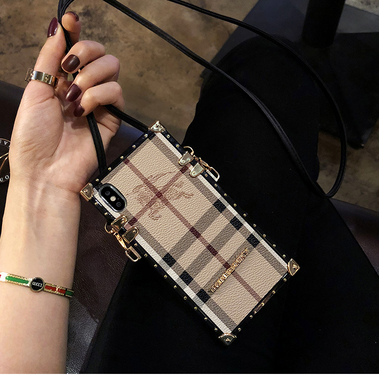 Burberry IPHONE Xs maxカバー